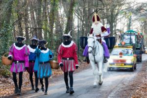 Intocht Sinterklaas @ Van hHvW naar de markt | Waalre | Noord-Brabant | Nederland